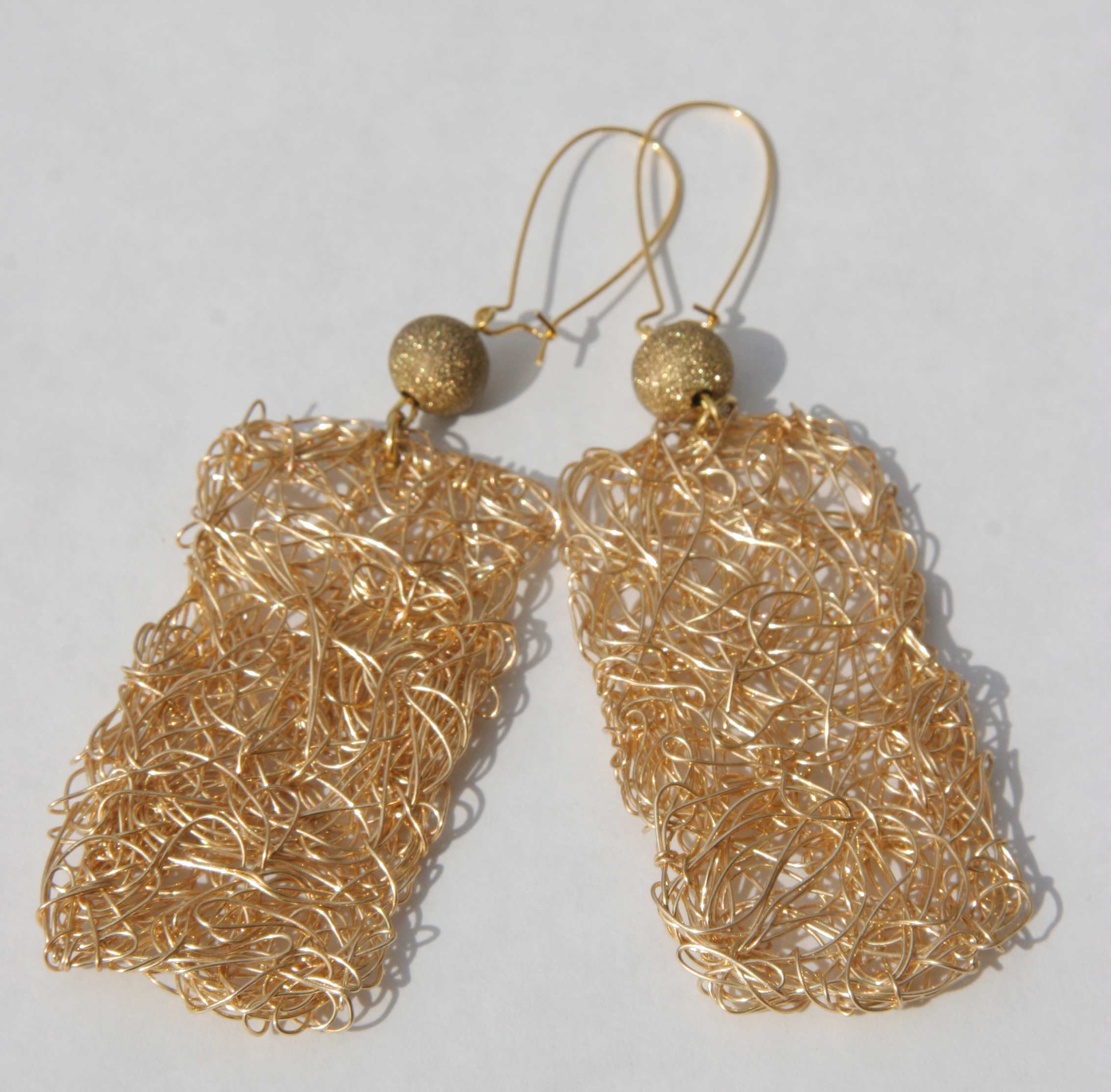 4) IMG_9586 - WIRE EARRINGS FULL.jpg