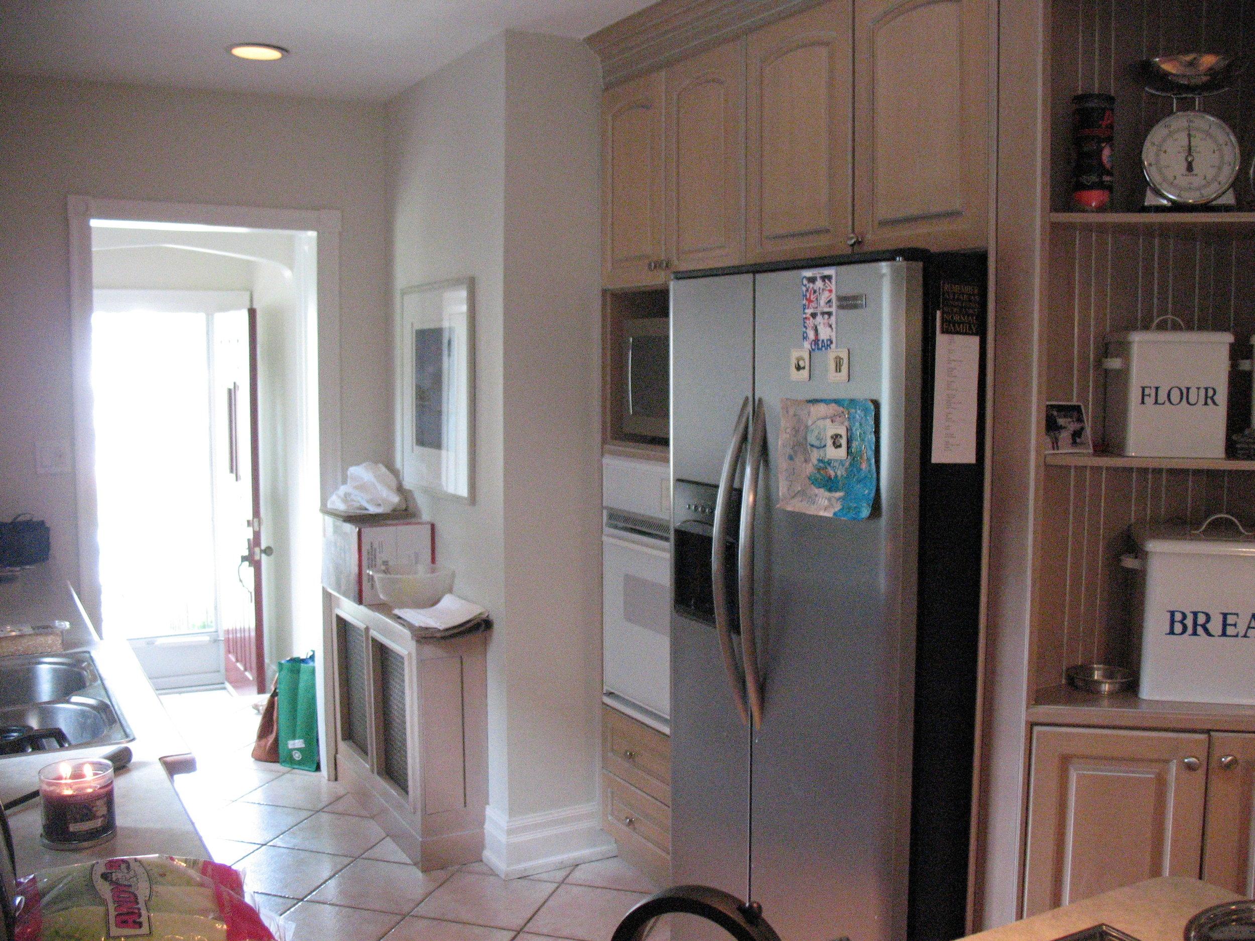 Fallingbrook kitchen- before 2.JPG