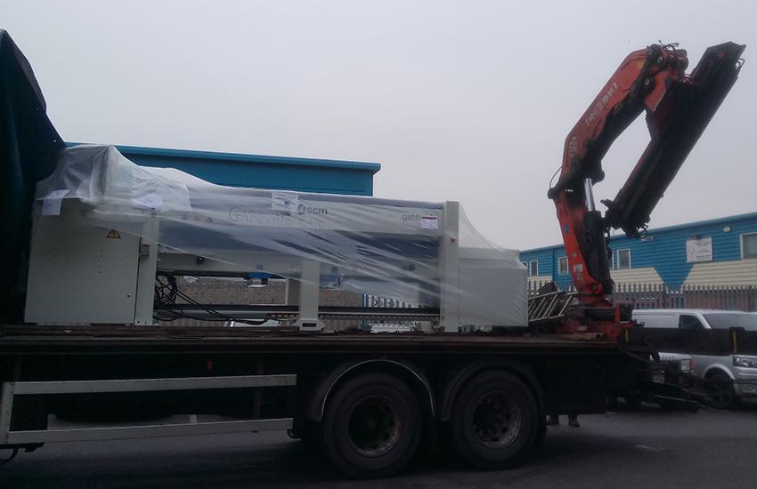 Tekne-Gabbiani-Beam-Saw-Delivery-Arrival.jpg