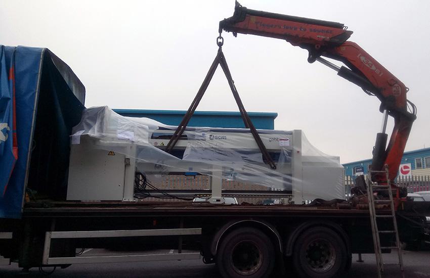Tekne-Gabbiani-Beam-Saw-Delivery-Crane.jpg