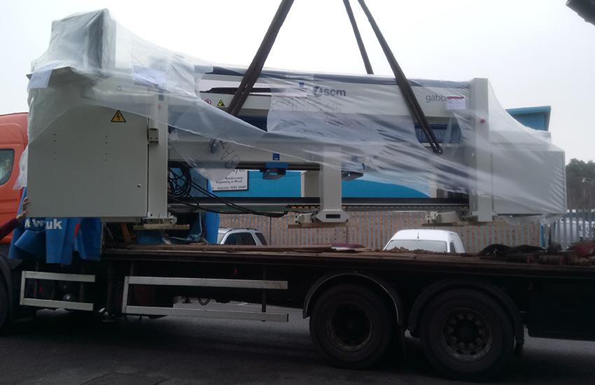 Tekne-Gabbiani-Beam-Saw-Delivery-Crane-Unloading.jpg