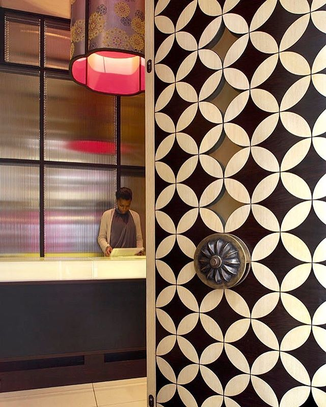 This beautiful oak marquetry entrance door was just a small part of a large fit out for a restaurant in London, featuring stunning bespoke cast bronze handles and shaped glass. . . #tekneshopfitting #shopfitting #interiordesign #interiorfitout #restaurant #marquetry #architecture #design #fitout #instadesign #manufacture #oak #london #bronze