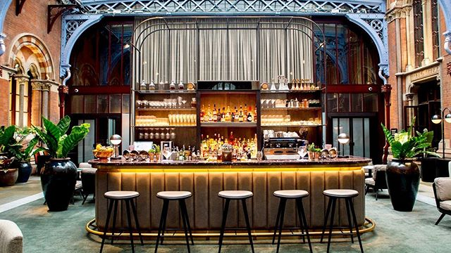 We have just completed the install of this fantastic bar at the St Pancras Renaissance Hotel, London.  A luxurious mix of materials to include a leather fronted bar, brass foot rail with marble counter tops, all add to the feeling of sheer luxury . . . #tekneshopfitting #shopfitting #craftmanship #madeinengland #joinery #london #bar #specialistjoinery #interiorfitout #marble #architecture #interiordesign  Photo courtesy of @stpancrasren @thehansomnw1