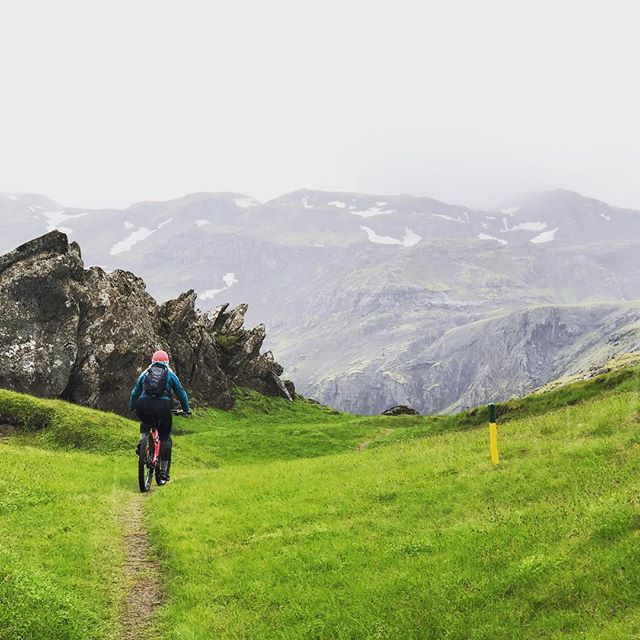 Call of the mtns 📞⛰ #mtblife #madeinmts #mountainbike #mountainbiker #mtbike #mtb #mtbtrail #mtbigskyseries #iceland #mtbiceland #trailriding #mountainbiking #mountainbikingtrails