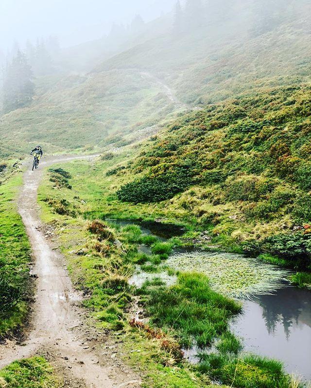 MiM ❤️ Austria #mtblife #bellhelmets #mountainbike #ethirteen #intensecycles #mtb #mtbgirl #mtbaustria #austria #saalbach #bikesaalbach #hacklbergtrail