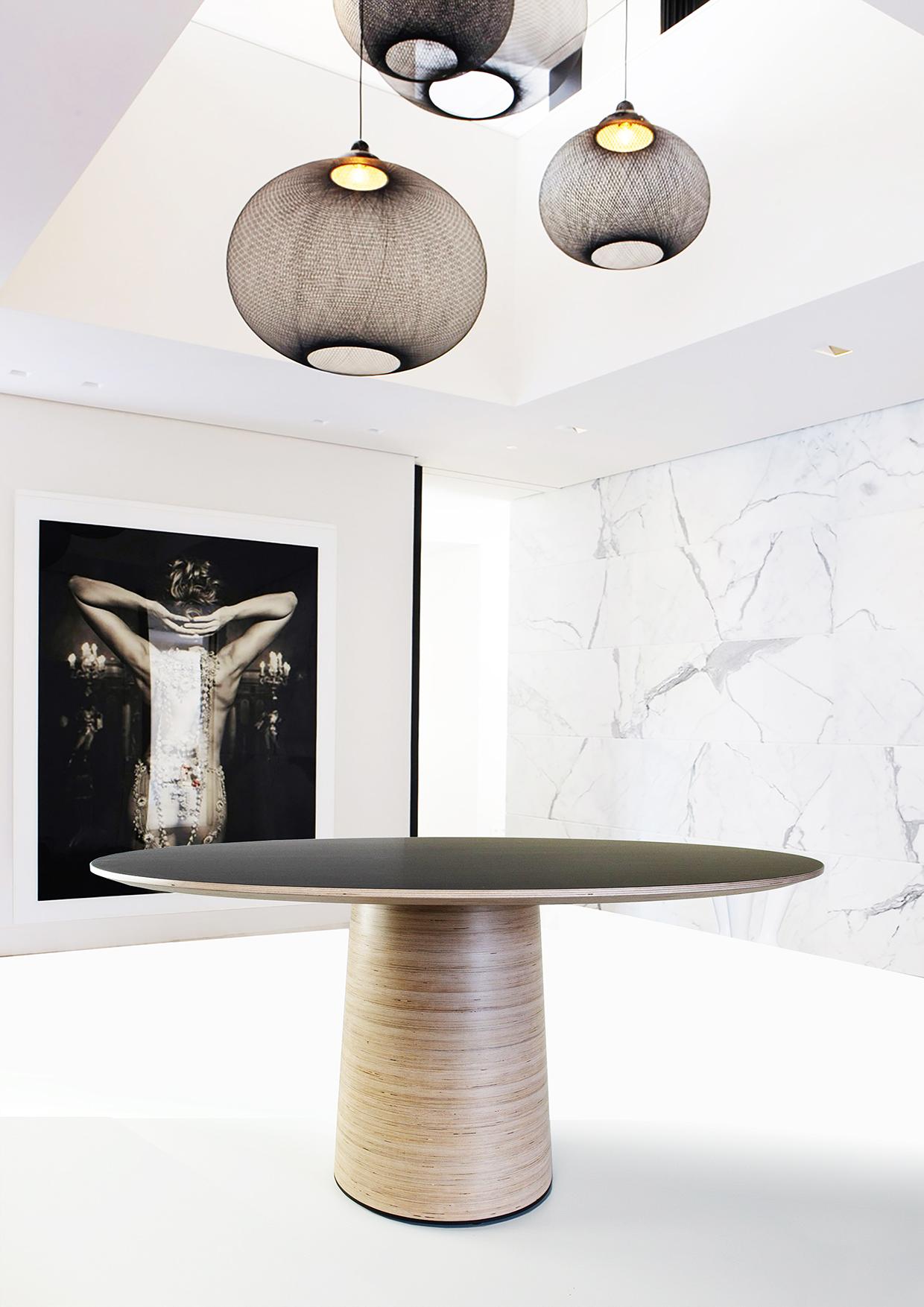 Mushroom Table - Mix with any interior