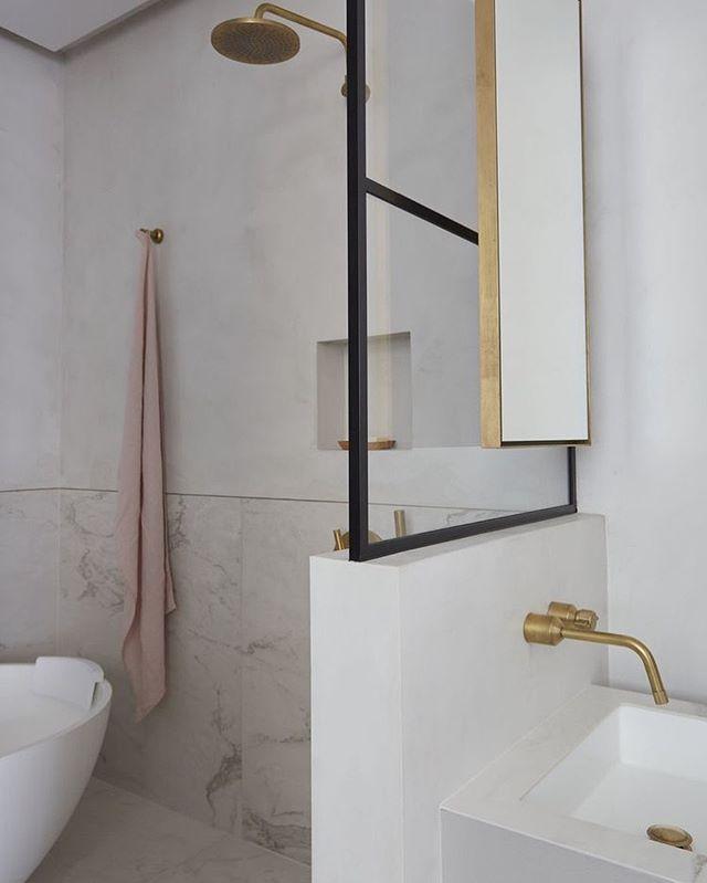 Design is in the details. My masterbathroom design (📷 Freelance work for McCrum Interior design) with brass fitting and details, bespoke crittal screens and microcrete on the walls. • • • • • #thecreativegrid #crittal #crittalshowerscreen #microcrete #tadelaktshower #brassfittings #luxurybathroom #bathroomgoals #masterbathroom #elegantbathroom #luxurybathroom #bathroomofdreams #deaigndetails #residentialinterior #interiordesignerslife #interior_architect #crittalshowerscreen #freestandingbathtub #marylebone #luxuryliving #london #zürich #silu #siludesign #badezimmerideen #inneneinrichter #luxusbad