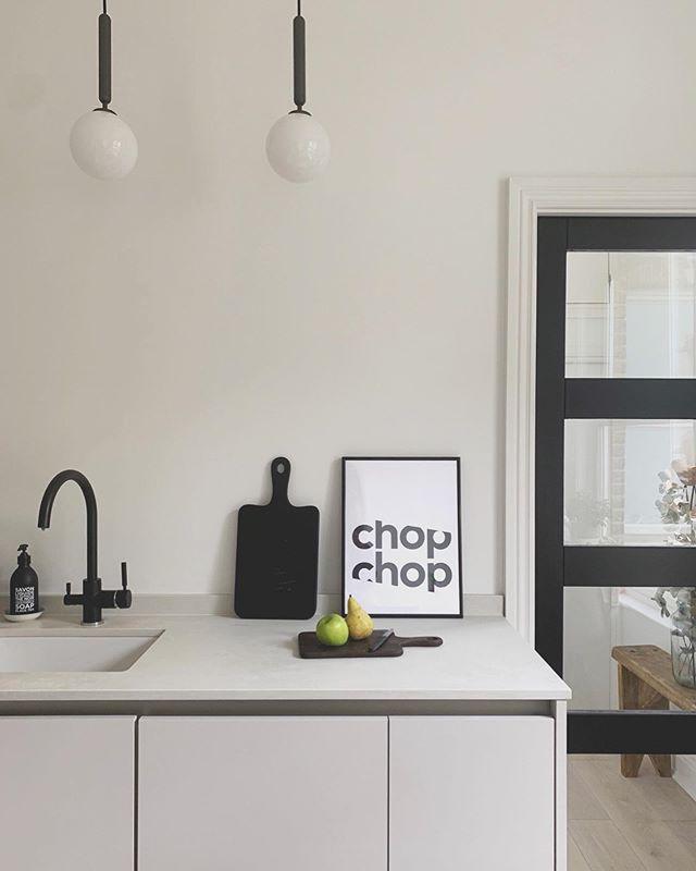 Monochrome kitchen. Lovely chop chop print gifted by @gaylemansfielddesigns • • • • • #thecreativegrid #monochrome #minimalkitchen #makespaceforless #tidykitchen #kitchendesign #kitchenrefurb #typo #typoart #graphicart #gaylemansfielddesigns #scandikitchen #chopchop #blackandwhite #crittaldoors #greykitchen #interiorstyling #cornersofmyhome #myminimalmoment #zürich #blacktap #minimalhome #kitchendesignideas #designersofinsta #scandikitchen