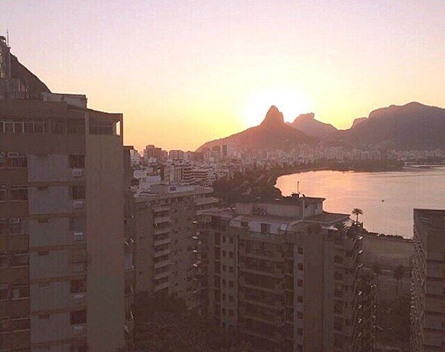 #bpsewvember Day 6 - View - there's not much to the view from my studio but I am thankful that there's a tree right in front of my window. The view that I would like to see right now is this: Home. ❤️ Rio - Brazil #bpsewvember2019 @bimbleandpimble