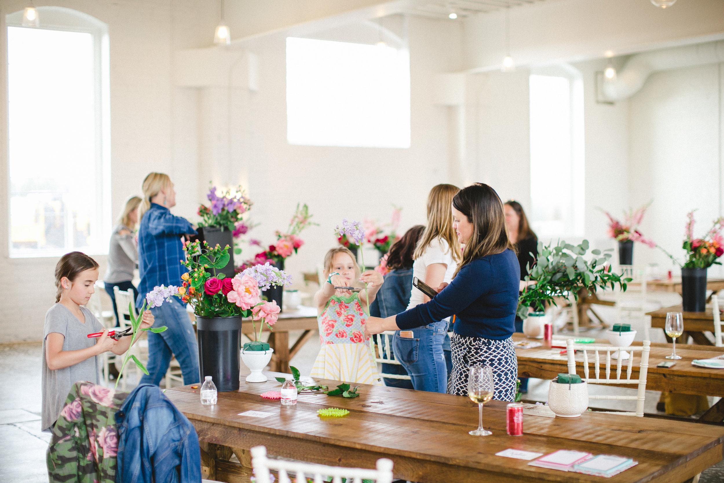 by Aimee Jobe Photography Bloom Designs Flower Workshop Brainerd-10.jpg