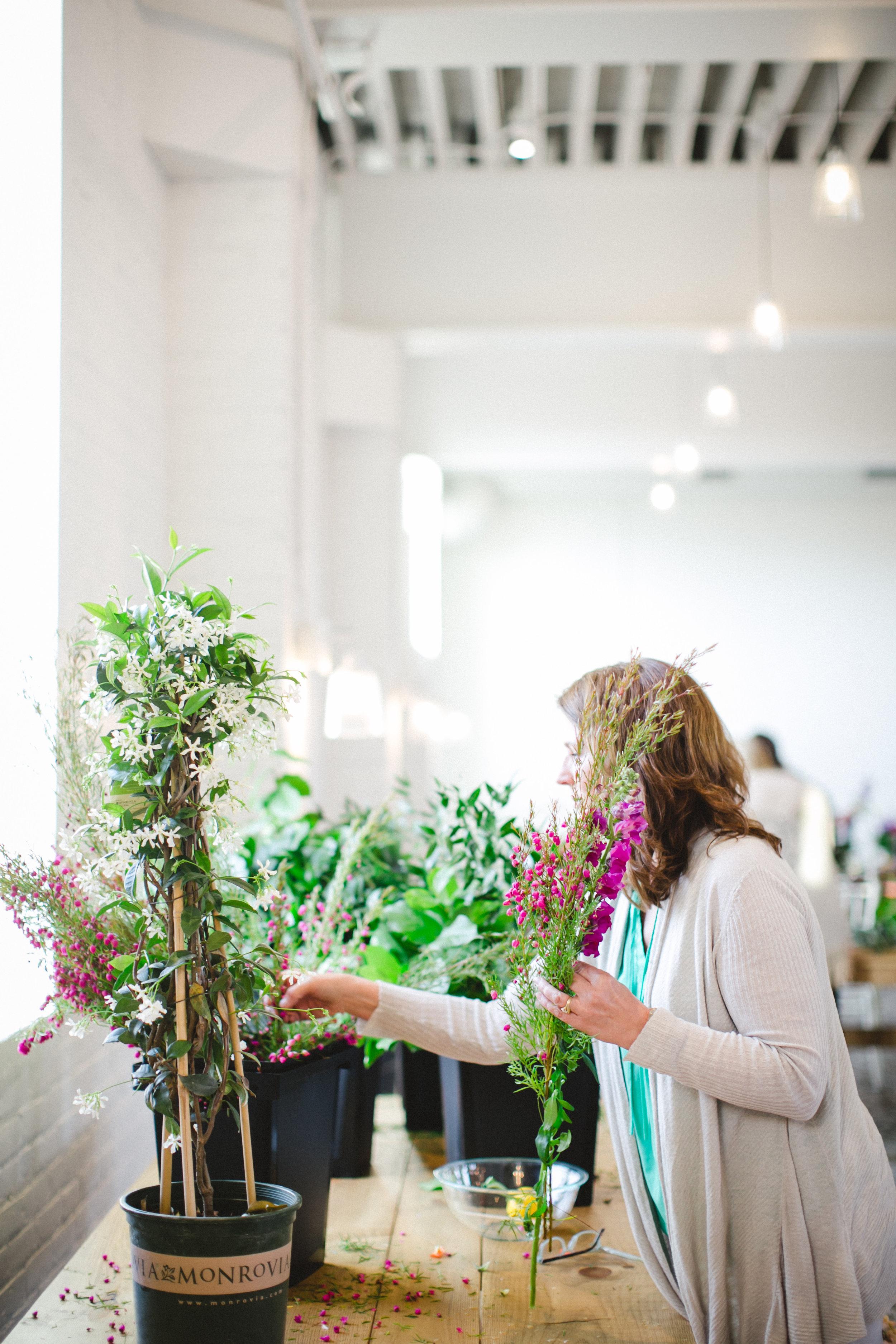 by Aimee Jobe Photography Bloom Designs Flower Workshop Brainerd-14.jpg