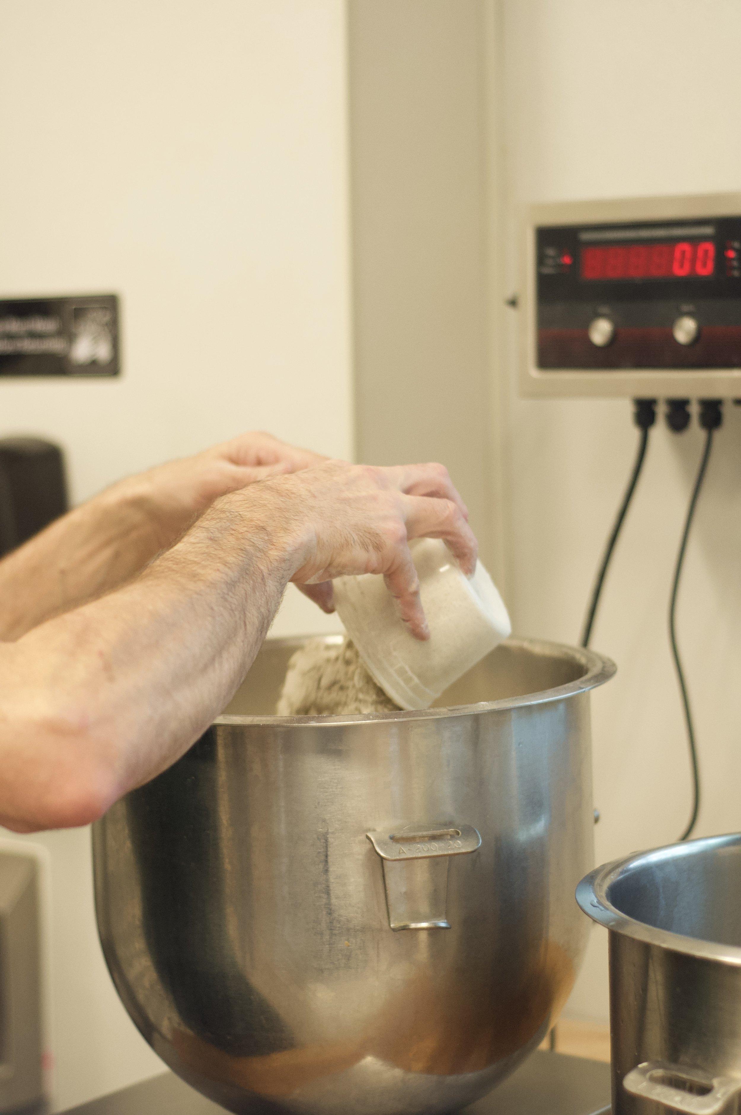 Bread flour    Dark rye flour