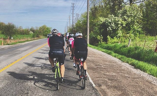 Our JRA group crushing the 🚴🏻‍♀️🚴🏻‍♂️🚴🏻‍♀️🚴🏻‍♂️🚴🏻‍♀️🚴🏻‍♂️ paceline on their way to ☕️. . . 📷 @kerryegallagher . . . . . #autobuscc #wymtm #cyclinglife #cyclingpics #cyclist #lifebehindbars #fromwhereiride #foreverbuttphotos #outsideisfree #roadbike #instacycling #cyclingshots #bibsup