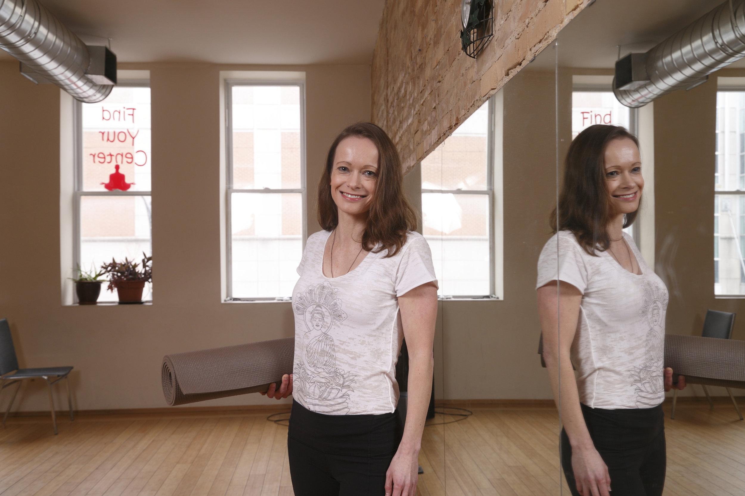 evonne-yoga_2366.jpg