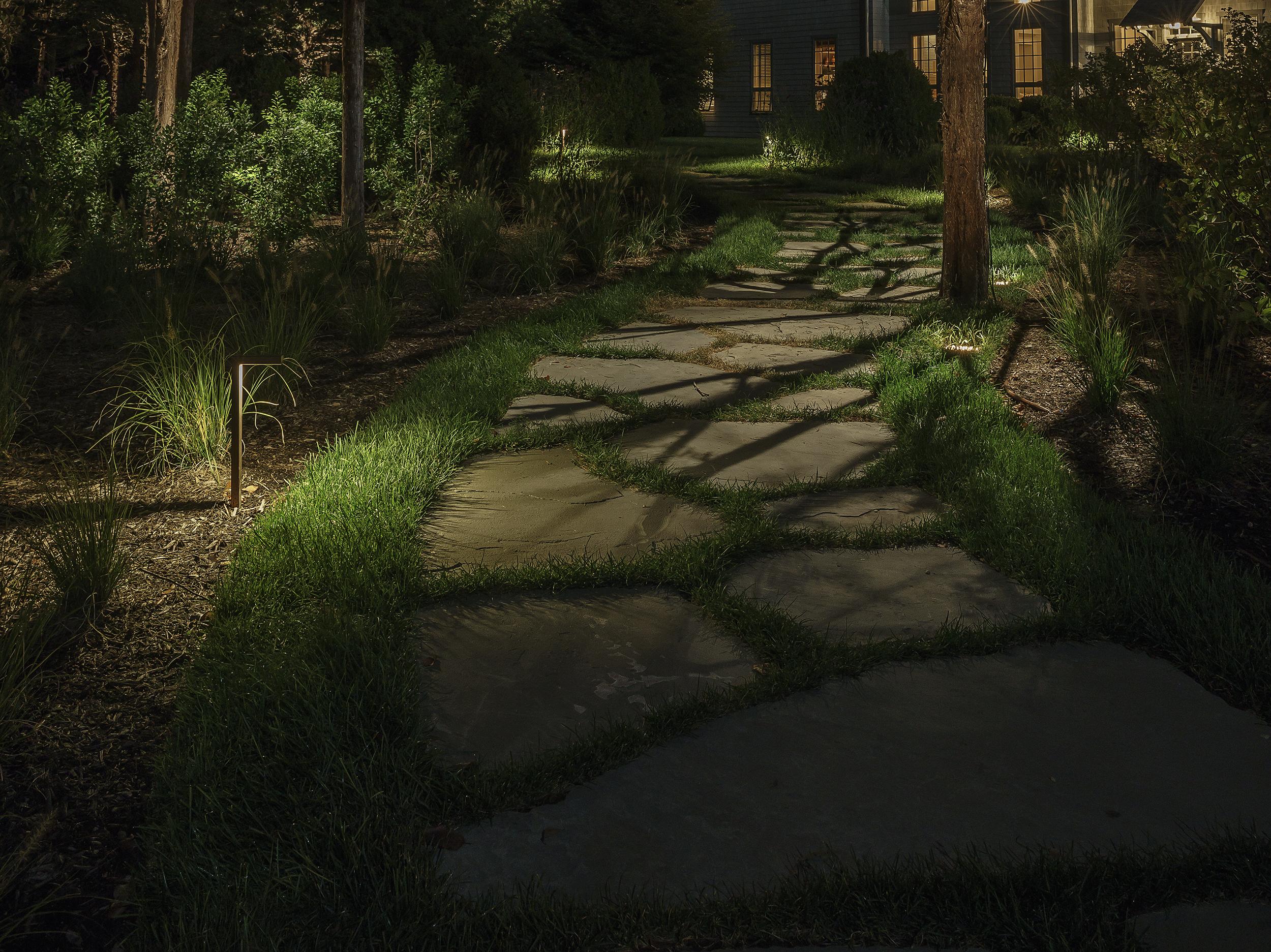 CONTEMPORARY PATH LIGHTING