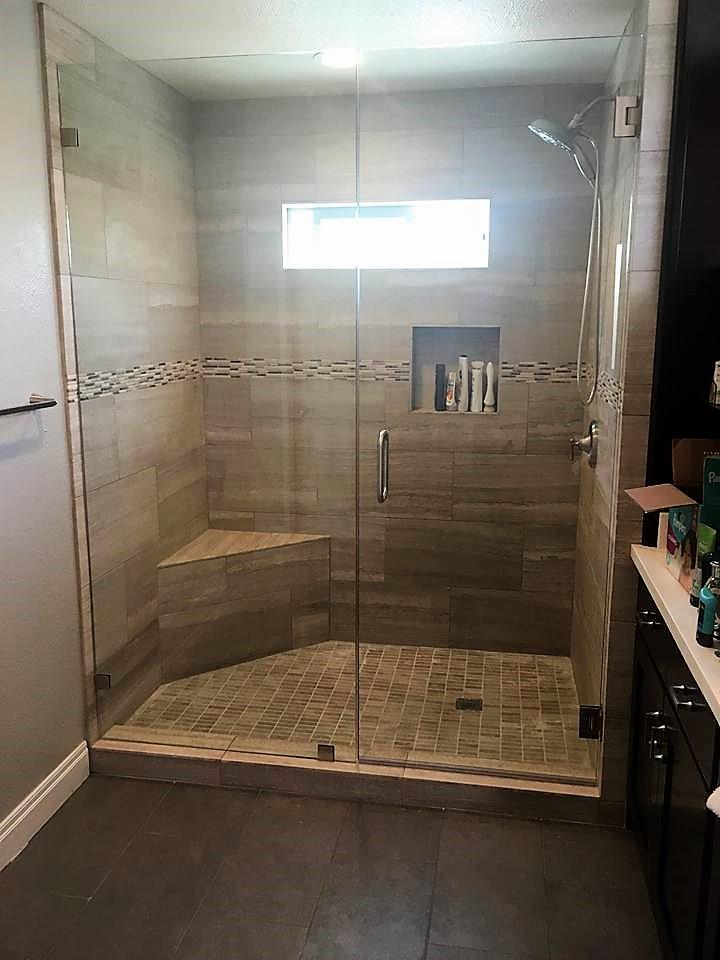 shower stal 1.jpg