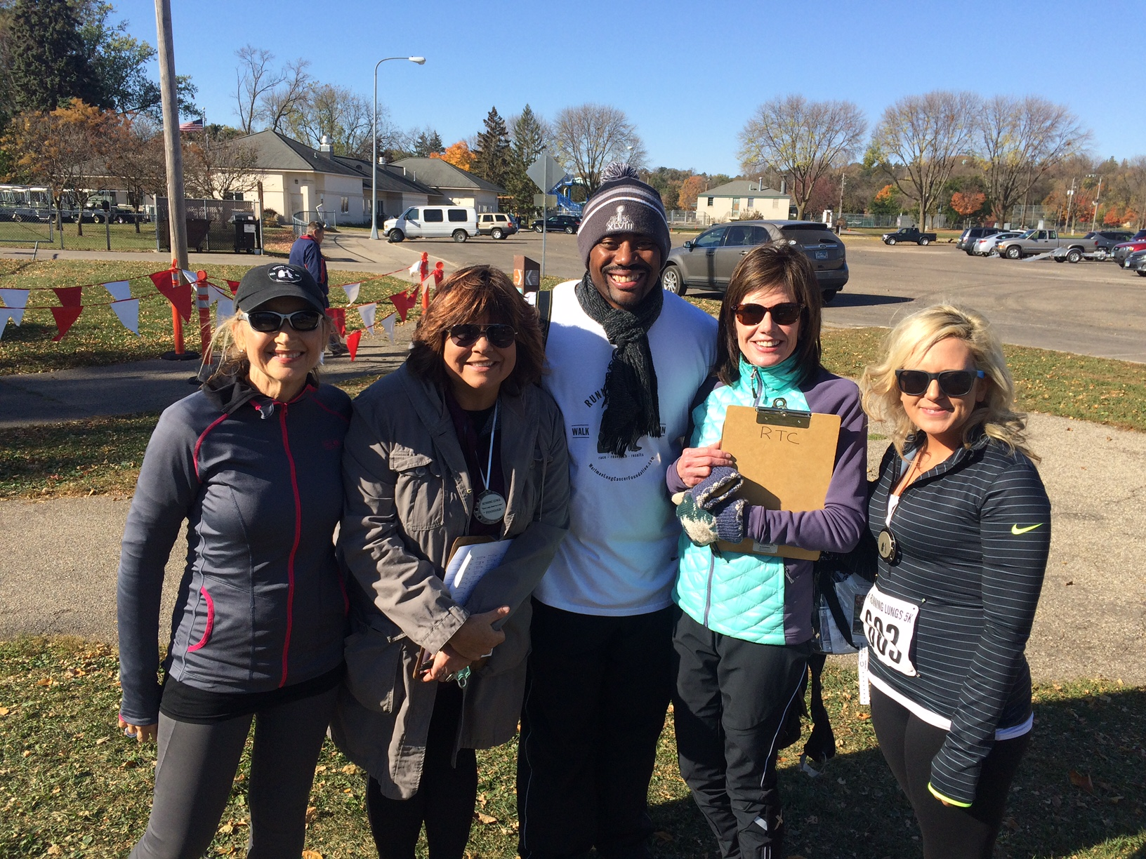 NFL Chris Draft attends Running Lungs Rochester in support of catching lung cancer in time.JPG