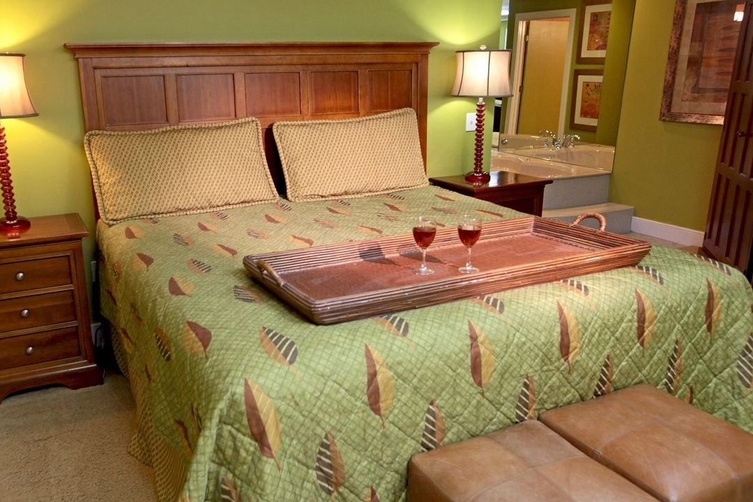 north star lodge wine bedroom.jpg