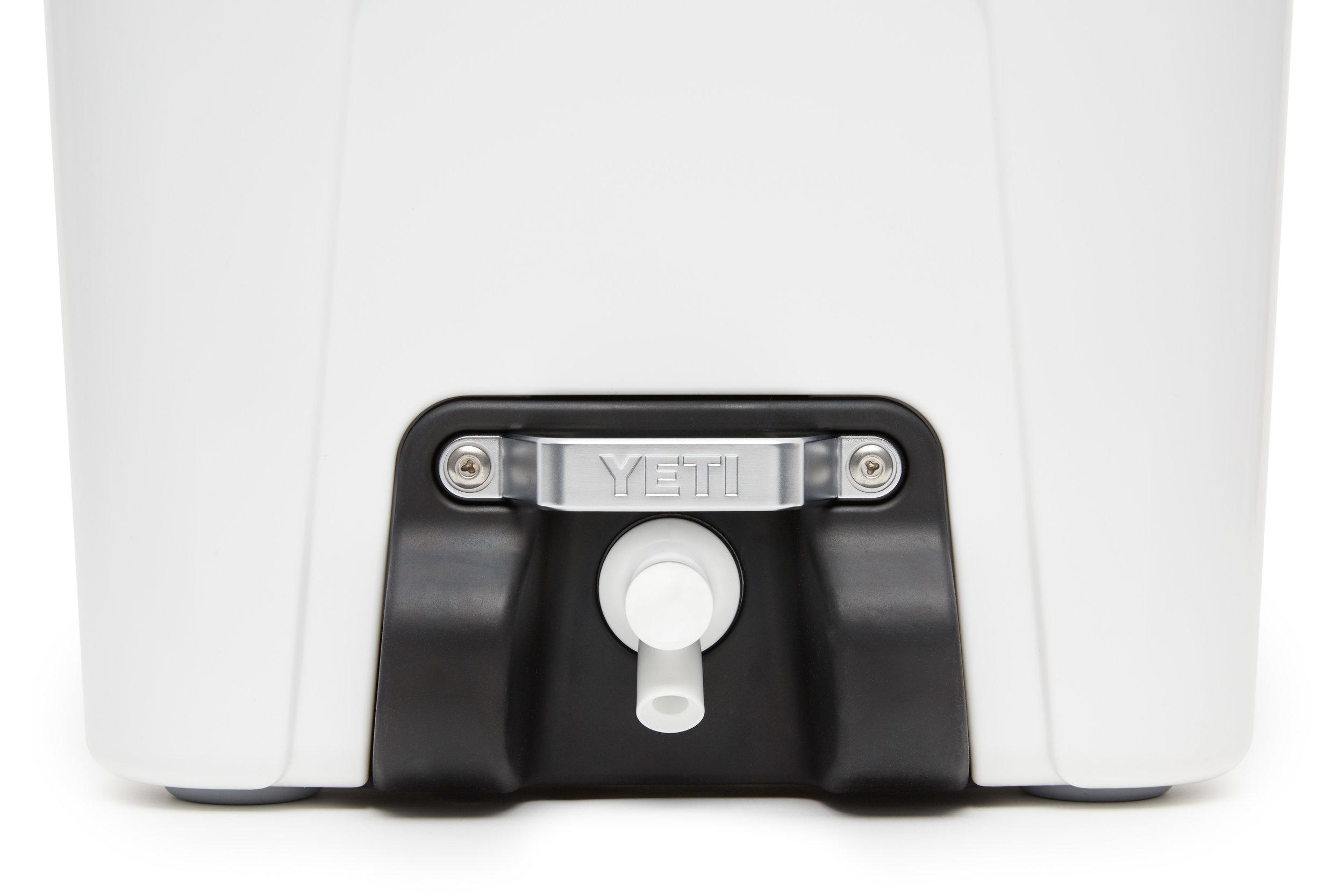 YETI_20180216_Product_Silo_White_Close-Up_Spigot-Sure-Grip-Handle.jpg