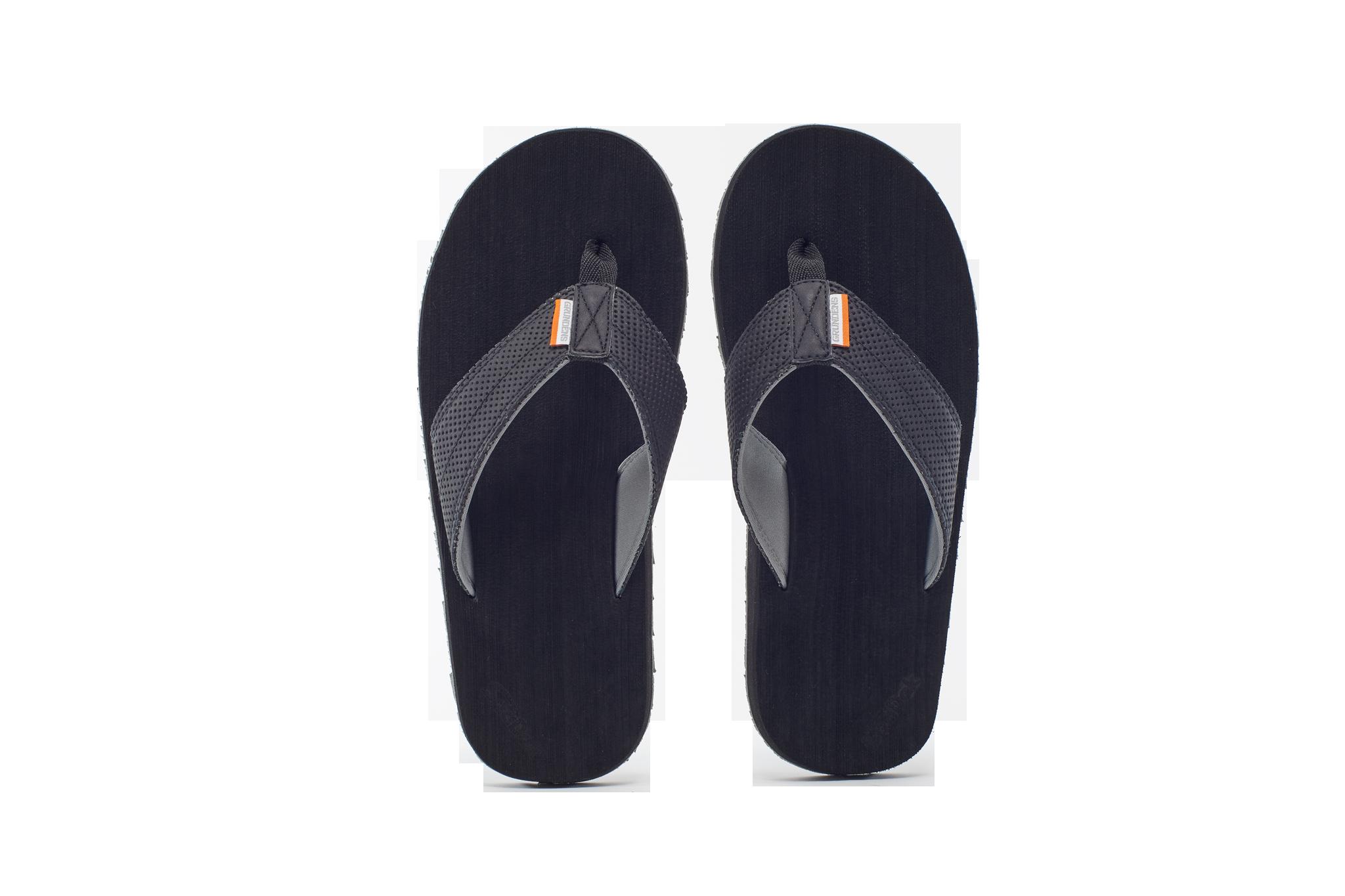 2018_GrundensFootwear_104.png