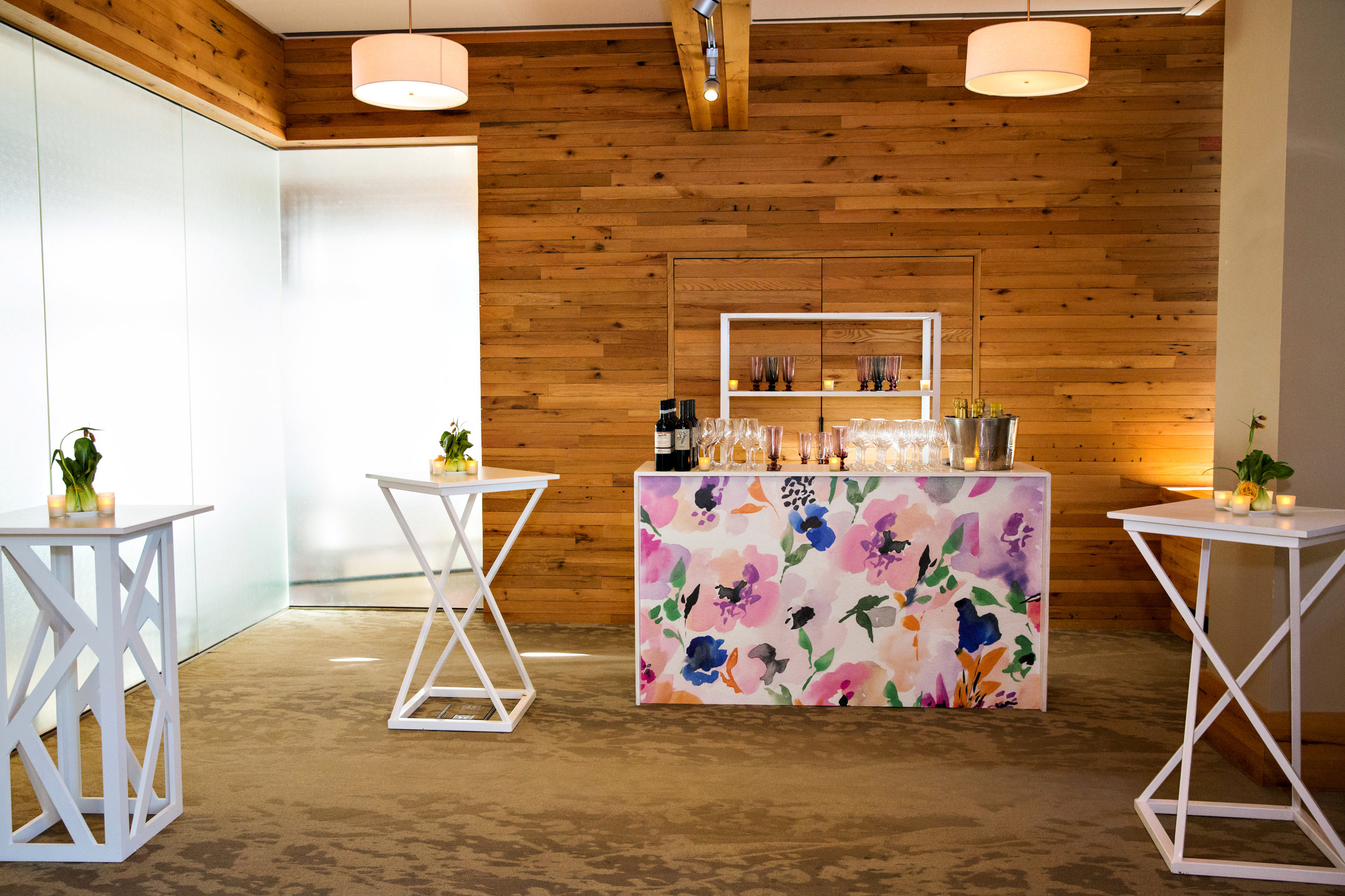Custom bar by PBD Events, using Fete's artwork. Photo by Person + Killian Photography