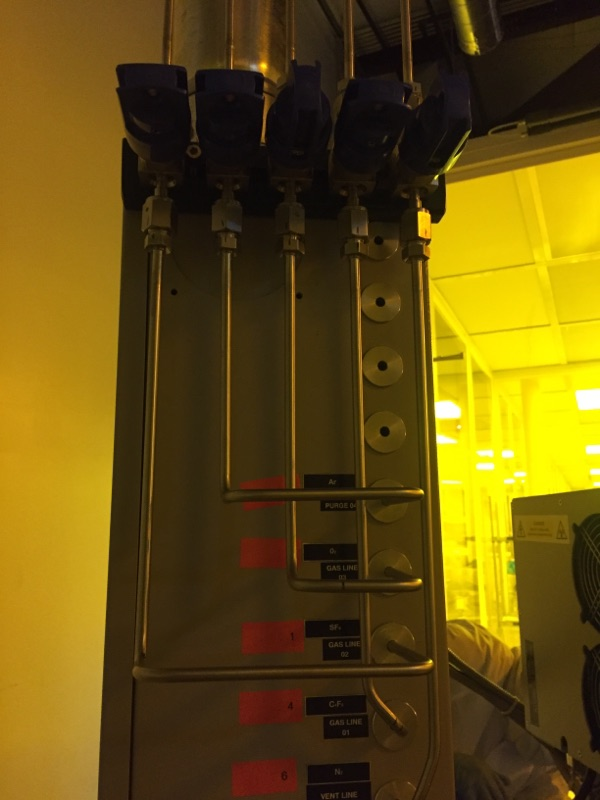 Corrosive and Inert Gas Manifold in Clean Room