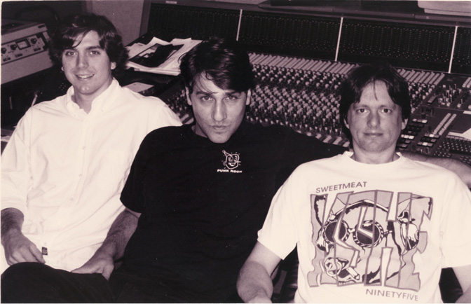 Greg Dulli (The Afghan Whigs) (center) with Jeff Powell (right)
