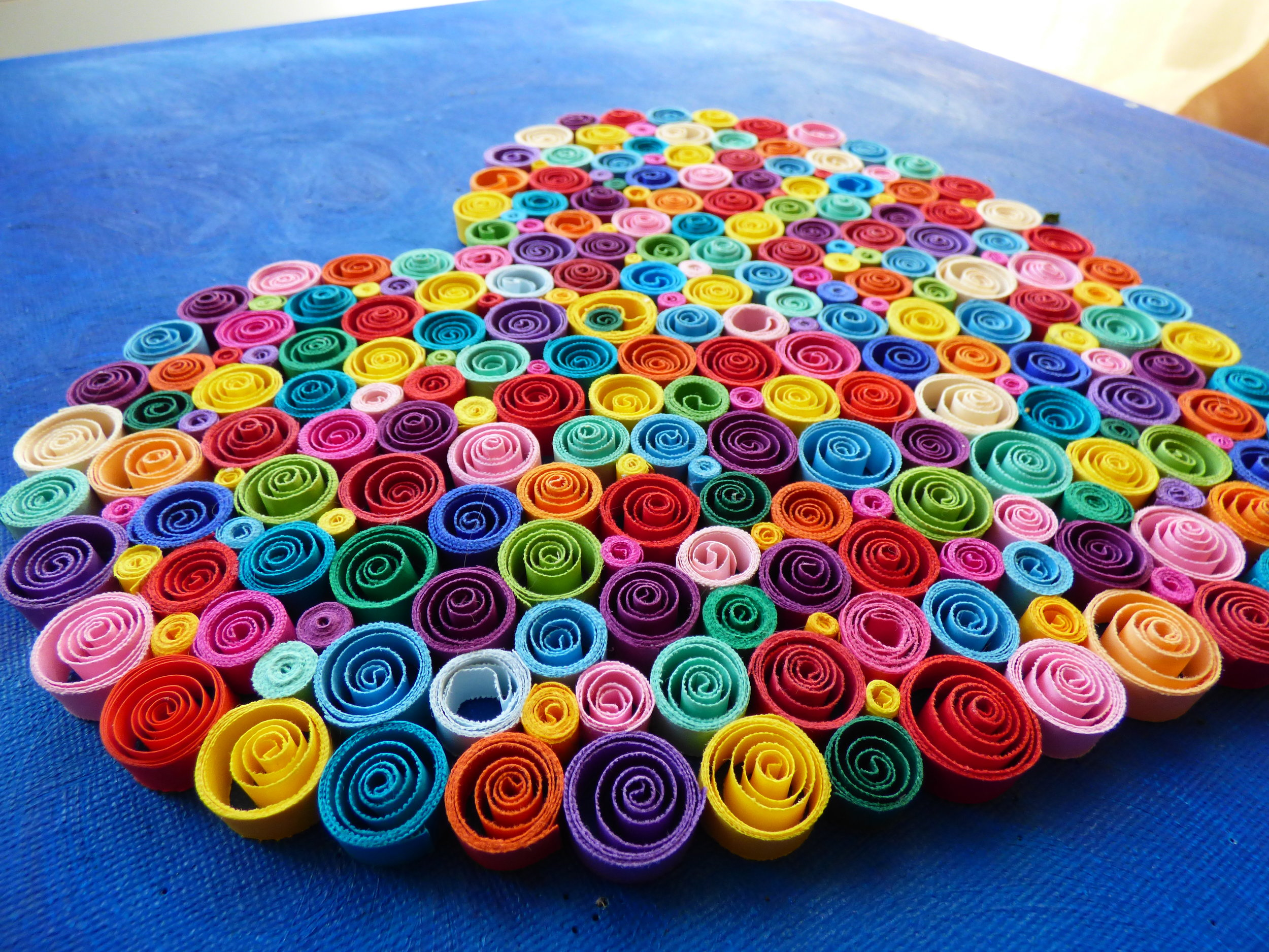 """The Rainbow Heart, a Quilling Gift to Say """" I Love You"""""""