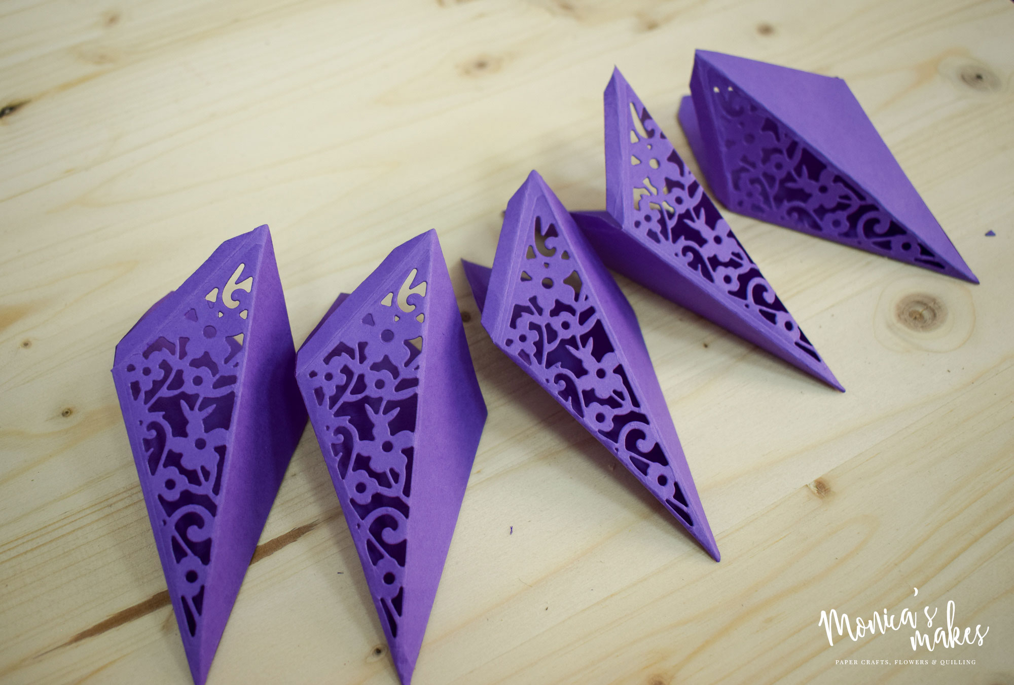 Pretty 3D Purple Paper Star Tutorial, made with Sizzix dies - See more at monicabadiu.com