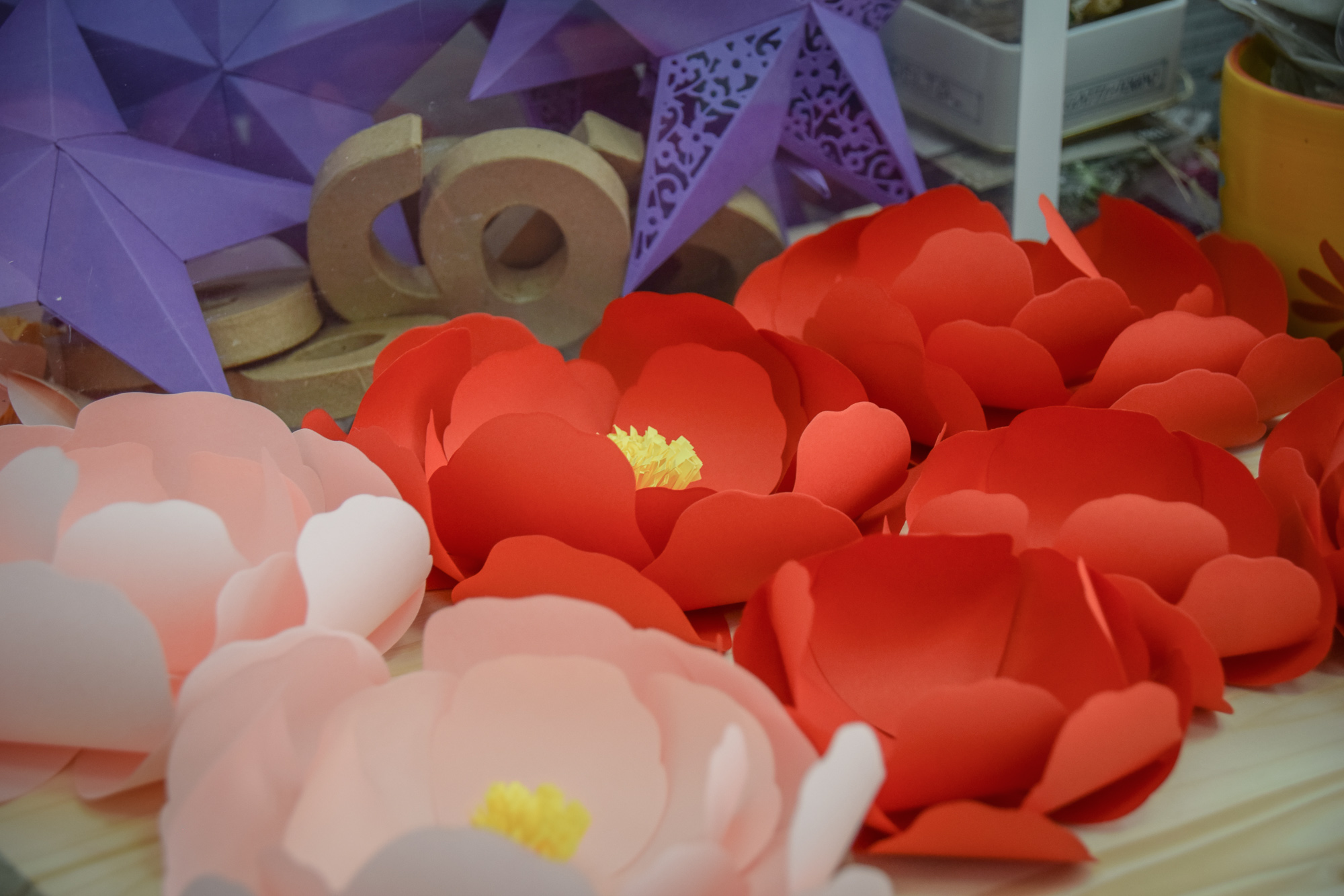 Paper Flowers made with Sizzix Large Rose die by David Tutera