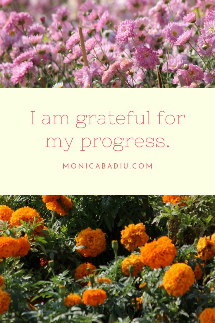 Wednesday Morning Affirmation to Build Confidence - Full list at monicabadiu.com #affirmations #mindset #growth #mentalhealth #success #femaleentrepreneur #positivity #productivity