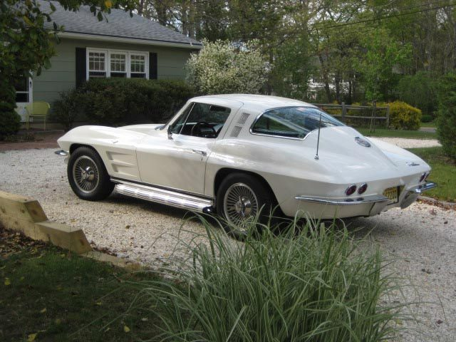 corvettes :     1964 Corvette Sting Ray Sport Coupe