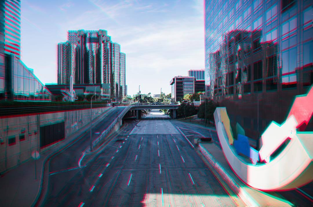 DTLA - sunshine and emptiness, the most desirable downtown will ever be.   #dtla #la #losangeles #lalaland #california #cali #californiadreamin #sunshine #🌞 #nikon #sigmaart #adobe #lightroom #photoshop  (at City of Los Angeles)