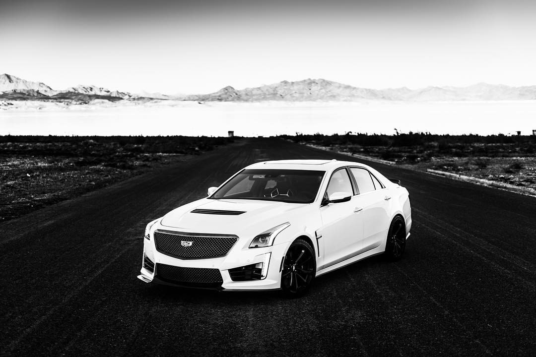 The CTS-V has some very clear distinct lines, which sets it apart visually from basically everyone else. .  .  .  For @heldth with @cadillaceurope .  .  .  #cadillac #ctsv #😈 #hammerfettbombekrass #automotivephotography #lakemead #🇺🇸 #🚗💨 #❤ #⚪️⚫️ #🐼 #carporn101 #carporn #americanmuscle #teymurvisuals (at Lake Mead National Recreation Area - National Park Service)