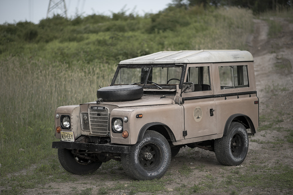 carpr0n :       Starring: Land Rover Series III  By  drop photography