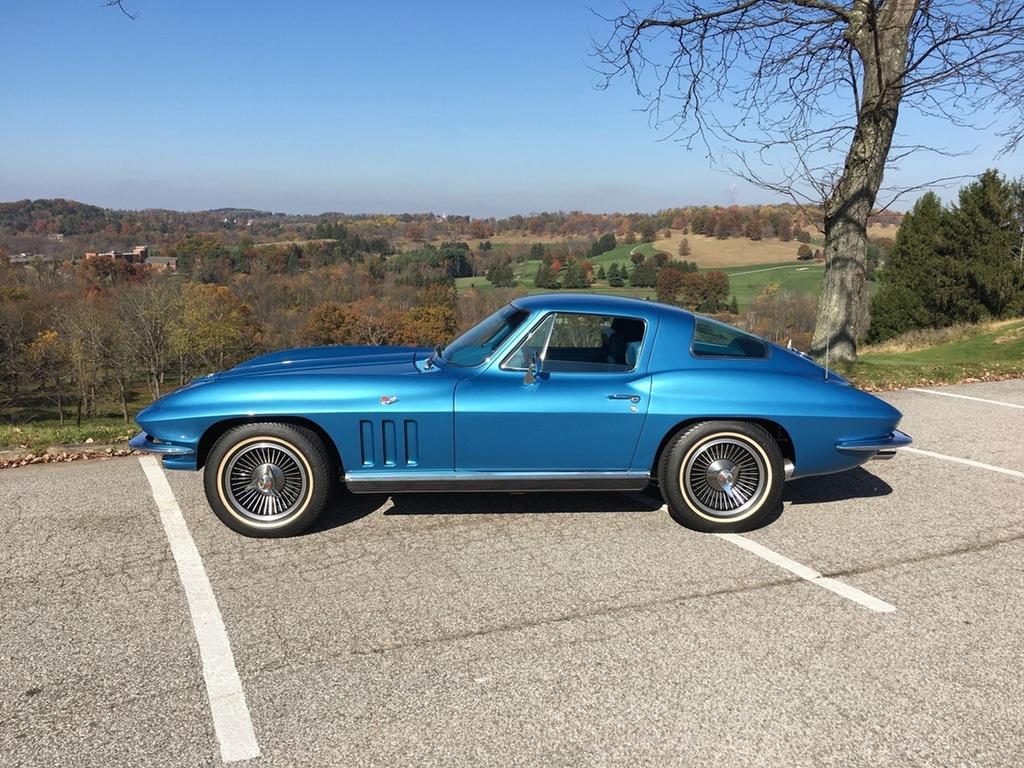 corvettes :     1966 Corvette Sting Ray