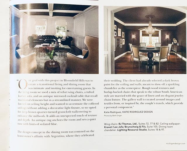 Check us out in the latest @home magazine from the Michigan Design Center! @michigandesigncenter #diningroom #livingroomdecor #livingroomdecor #interiordesign #classicisalwaysinstyle #tuftedsofa #brown #chandelier #cofferedceiling #ihaveathingwithceilings #gallerywall