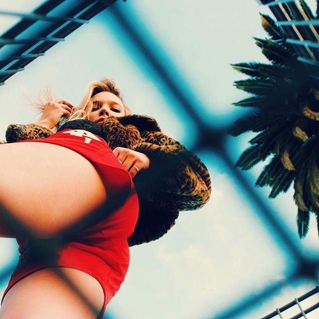 🛒🍑 . . . #model @katelynott