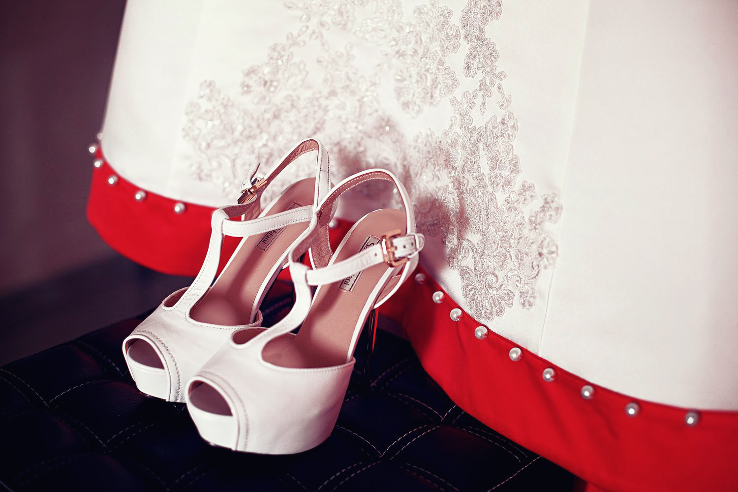 shoes bride.jpg