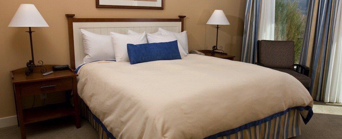 SLtwo_bedroom_room__pano_1100_450_85auto_s_c1.jpg