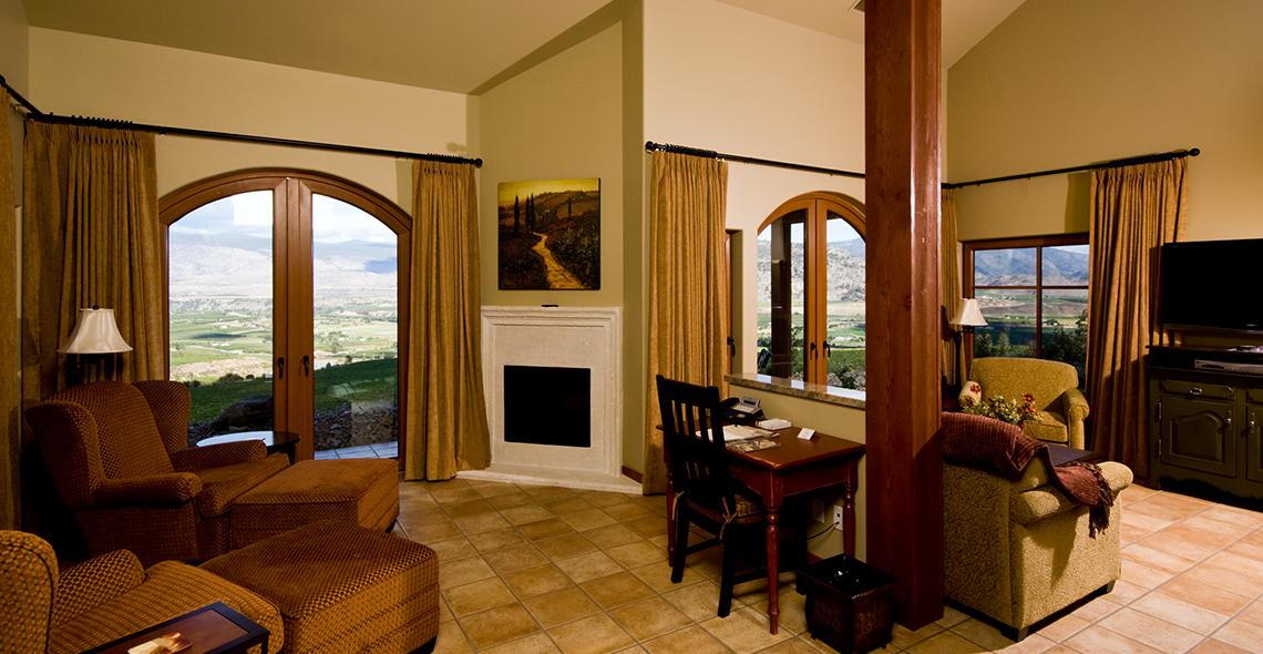 villa-interior-executive-suite.jpg