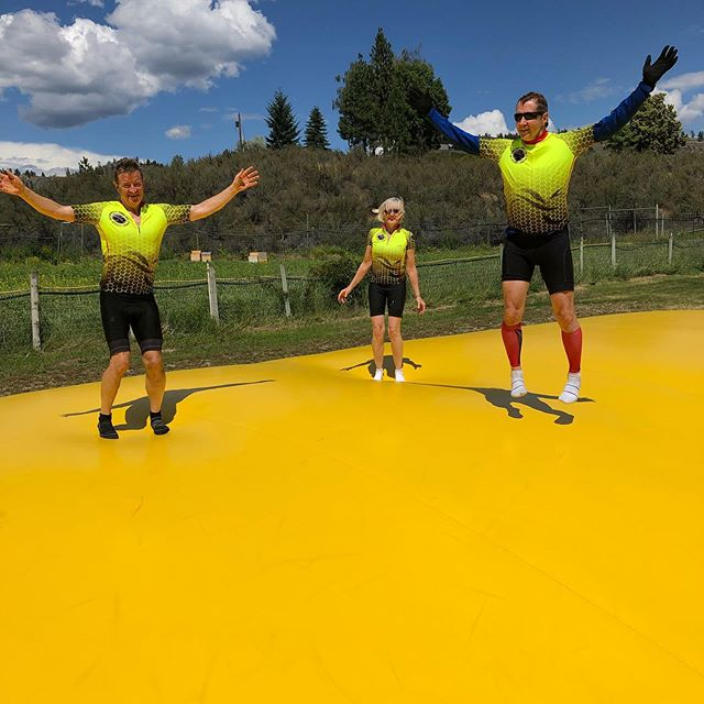 Might as well jump! #giroheroes off the bike and on the trampoline at @covertfarmsfamilyestate #okanaganexploring #biketheokanagan