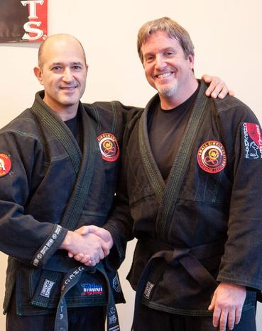 Michael was honored to receive the 2012 Jujitsu America Ohana award for his continued contribution to his Checkmate family.