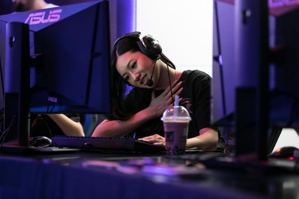 Dark Sided WPGI Esports Female Counterstrike (CSGO) player