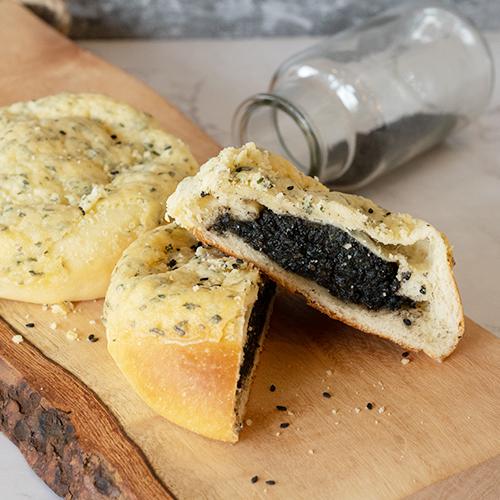 Black Sesame Bun