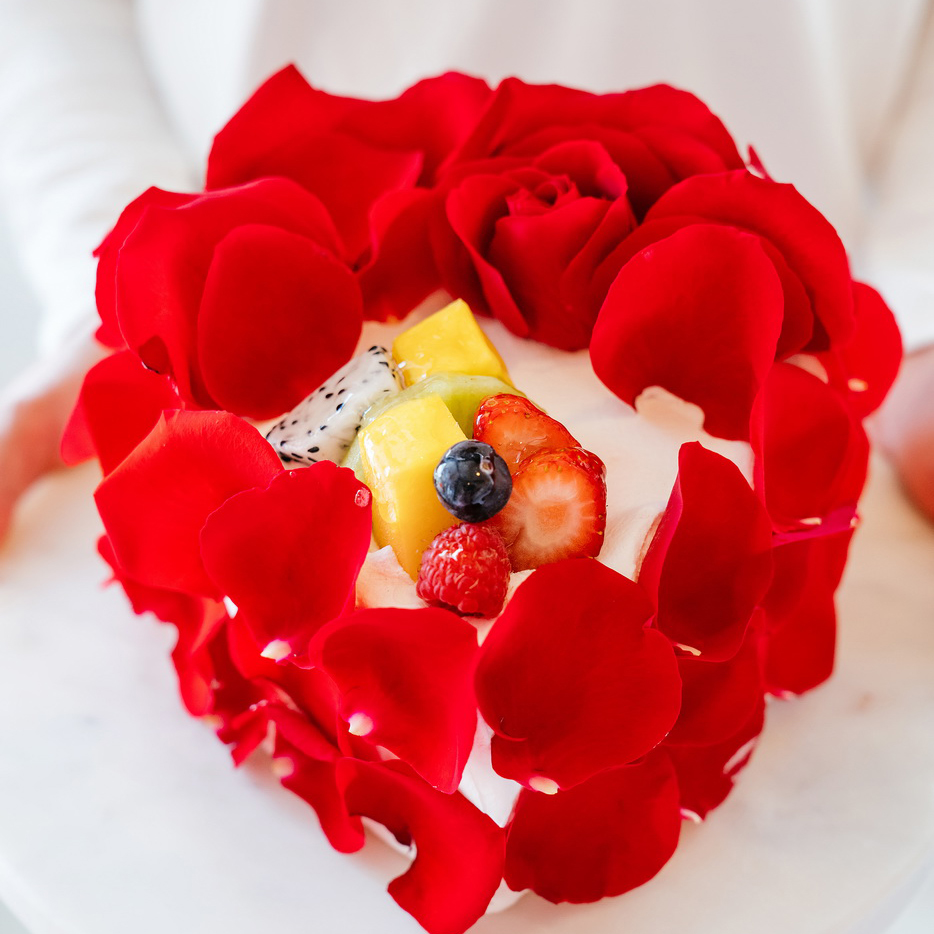 Rose Heart   Japanese Cream Cheese Mousse, Vanilla Sponge Cake