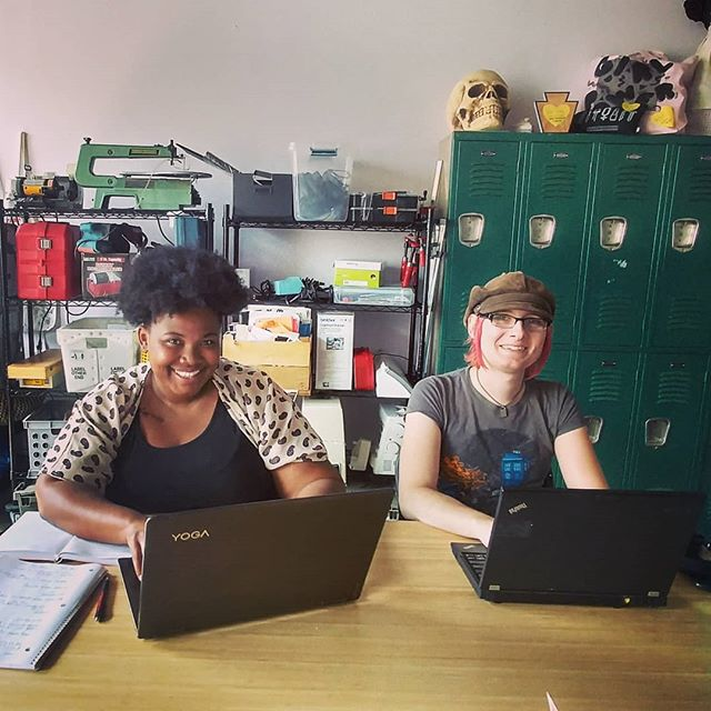 Khala and Kim are local entrepreneurs who are co-working at Prototype today. You can be like them and co-work here too! Monthly membership starts at $15/month and gives you access every day of the week. 🔧🔨💅