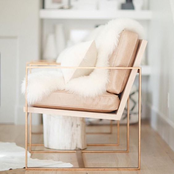 Would love to have this in my office- super chic!
