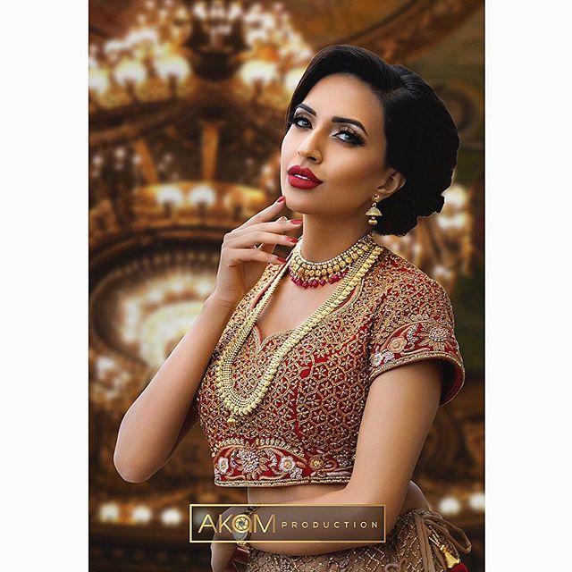 Faye Makeup Academy Shoot @fayemakeup  Makeup: @rb_bouquets_henna  Model: @miss_mkhan  Outfit: @zarkanoflondon  Jewellery: @ishyhaq Photo & Retouching: @akamproduction . . . . . . #photography #photoshoot #fayemakeup #bridal #makeup #mua #akamproduction #fashion #retouch #asianbride #wedding #potd #ootd #instagood #photo #instapic #wedding #fashionshoot #asian #asiana #weddingshoot #professional #indianbride #pakistanibride #khushmag #beautyretouch #beauty #glamour #bridalmakeup #bridalinspiration #weddingmakeup