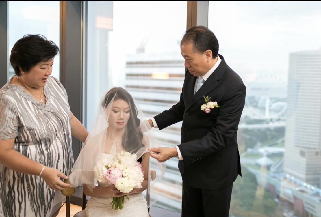 Pastelhuesflorals_brides.jpg